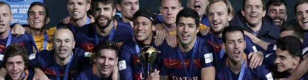 El Barcelona levanta el trofeo de 'rey del fútbol'